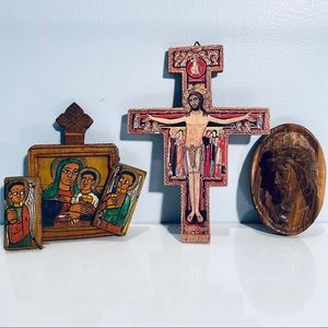 Religious Artifacts Wood Triptych Carved Jesus